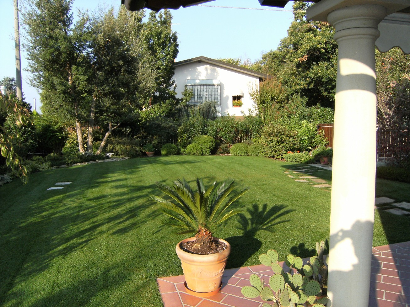 Realizzazione giardini e terrazzi milano varese e como for Giardini e terrazzi
